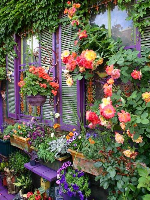 Dishfunctional designs dreamy bohemian garden spaces for Best paint for yard art