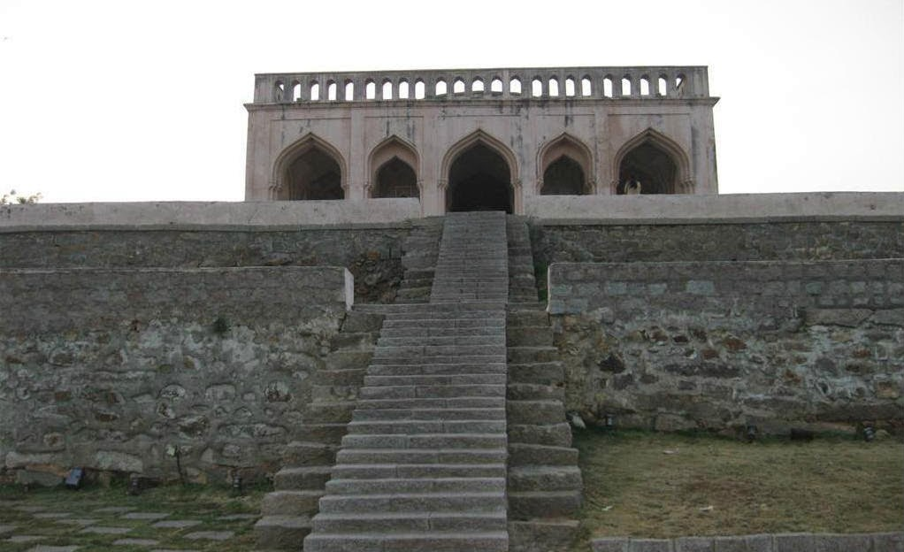 Steps leading to the uppermost structure of Taramati Baradari