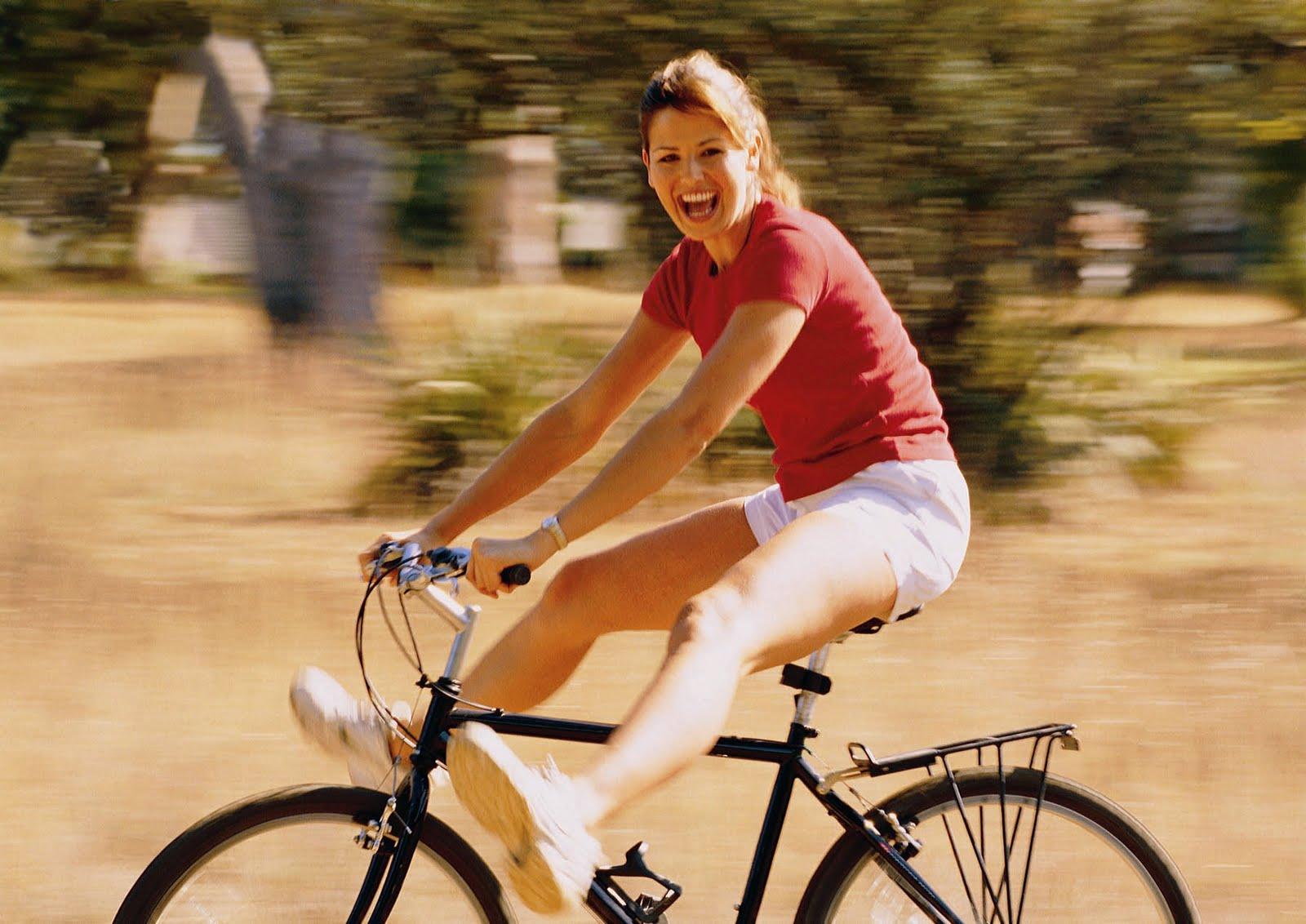 Ljepotice i bicikli - Page 2 Girl%2Bon%2Bbike