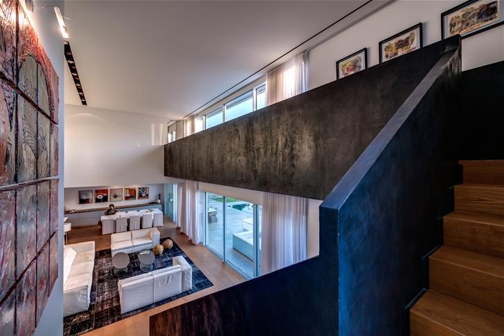 "Modern stairs in Modern Villa ""Cubes"" In Tel Aviv"