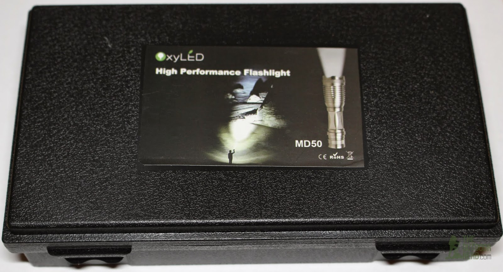 OxyLED MD50 Flashlight Kit - In Box 1