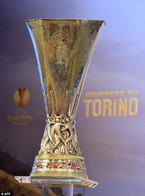 http://3.bp.blogspot.com/-zl95fek81wU/Uyw0Olz8nKI/AAAAAAAA688/IZWkp336i48/s1600/1395403727531_lc_galleryImage_The_Europa_league_trophy_.JPG