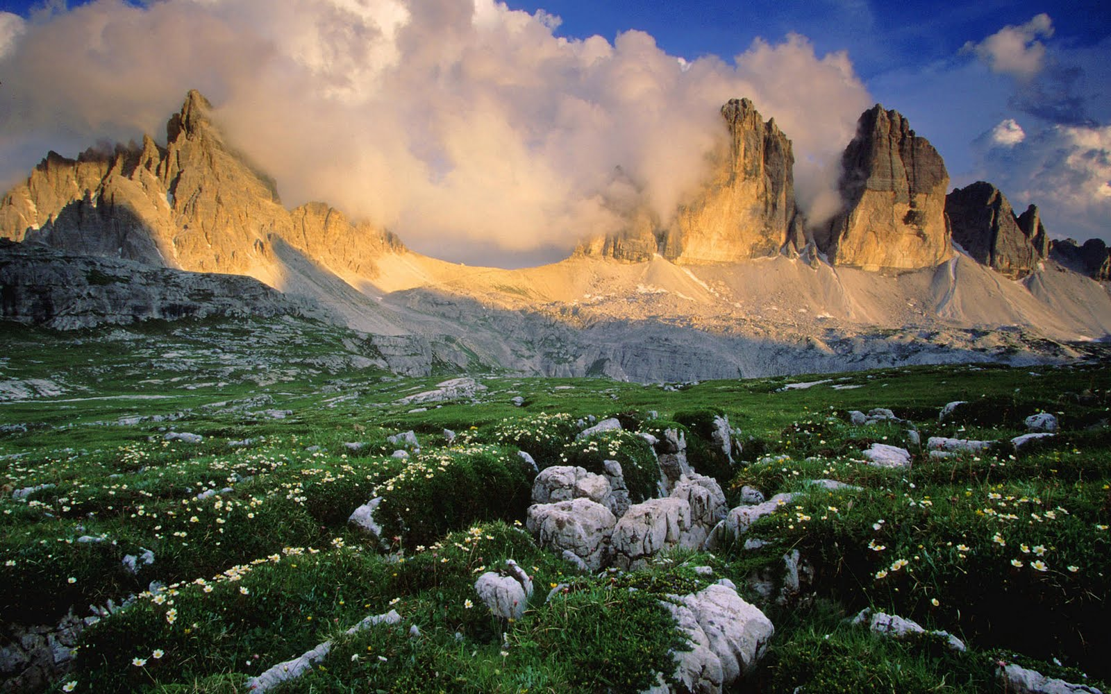 Beautiful landscapes wallpapers for Where are the dolomites located in italy