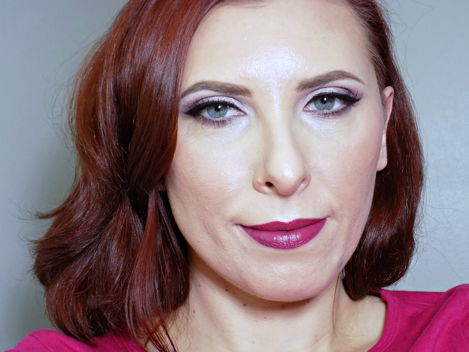 Makeup look: Winter glow and berry lips