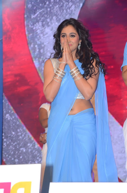 Actress regina cassandra saree below navel show photos