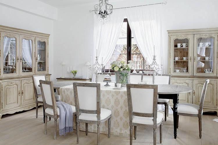 Interior calma y relax en blanco vintage virlova style for Della casa sillones
