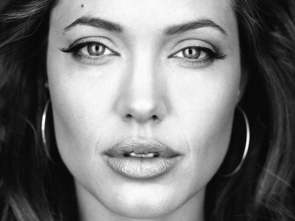 http://3.bp.blogspot.com/-zlYnEZiRx8A/UH4LRYx5bPI/AAAAAAAAJmg/NjNeXg9cZBE/s1600/Angelina-Jolie-121.jpeg