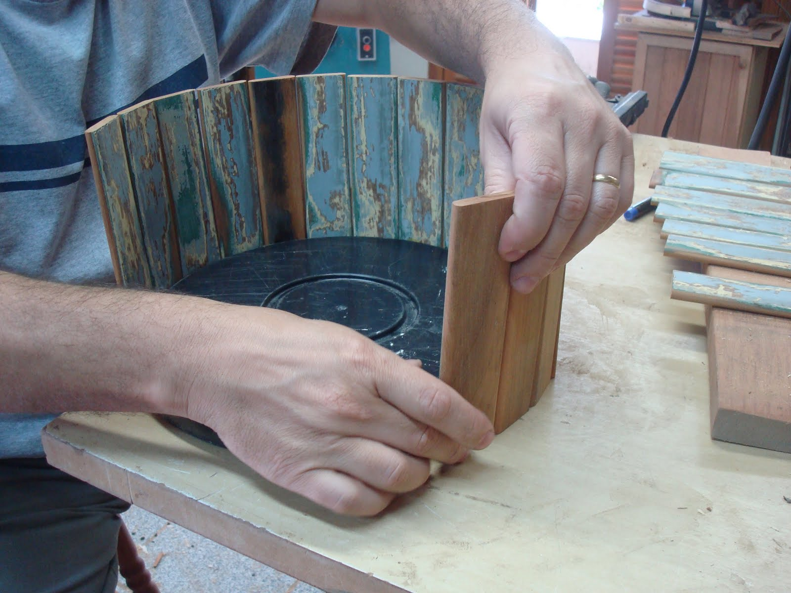 Zero: Vaso (cachepo) para pendurar feito de madeira (FAÇA VOCE MESMO #46677A 1600x1200