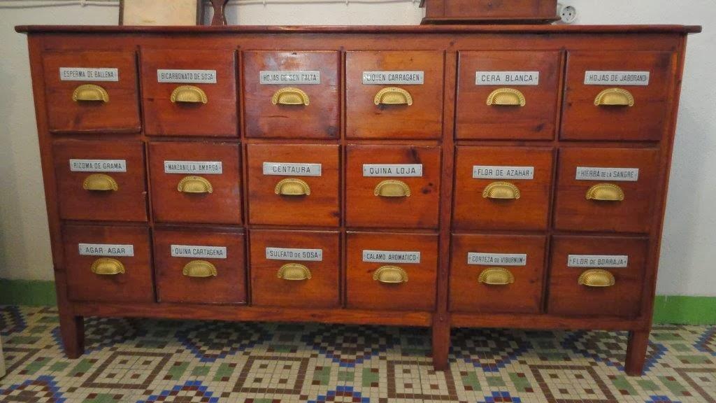 Venta particular de muebles y art culos antiguos en murcia mueble antiguo de farmacia de 18 cajones - Mueble entrada segunda mano ...