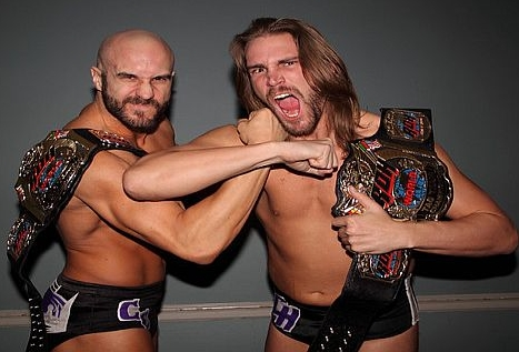 kings-of-wrestling-chris-hero-y-claudio-