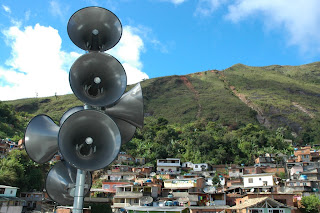 Instaladas na igreja católica do Rosário, as sirenes funcionaram normalmente durante o teste simulado