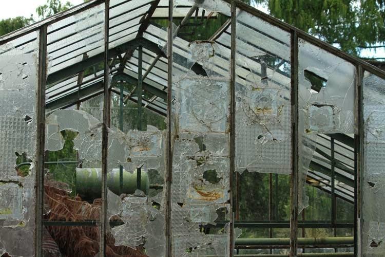 Mam-ailleurs: Evreux : les serres abandonnées du Jardin François ...