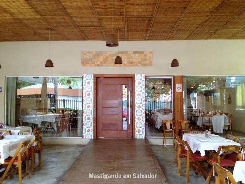 Marfino Restaurante: Entrada para o ambiente interno