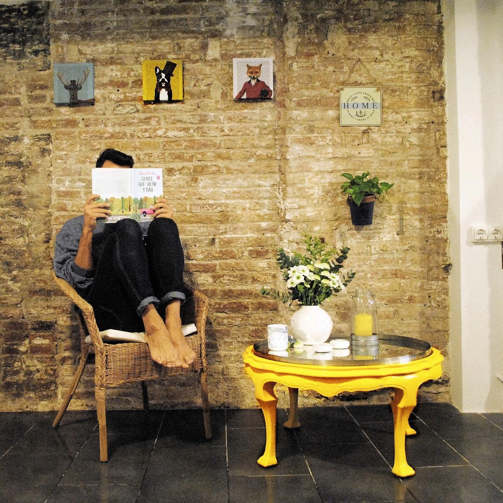 Dave 39 s loft una mesita de caf en amarillo real - Mesita de cafe ...