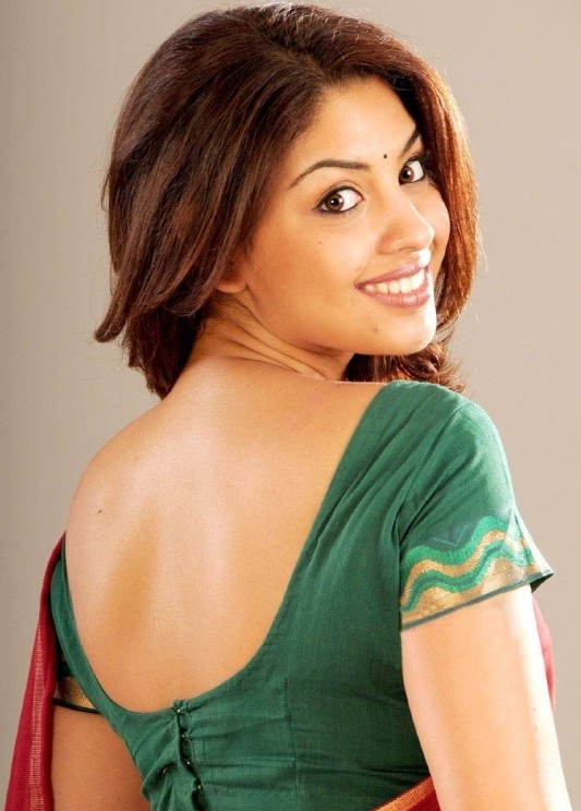 actress richa gangopadhyay huge collection of hot n spicy pics