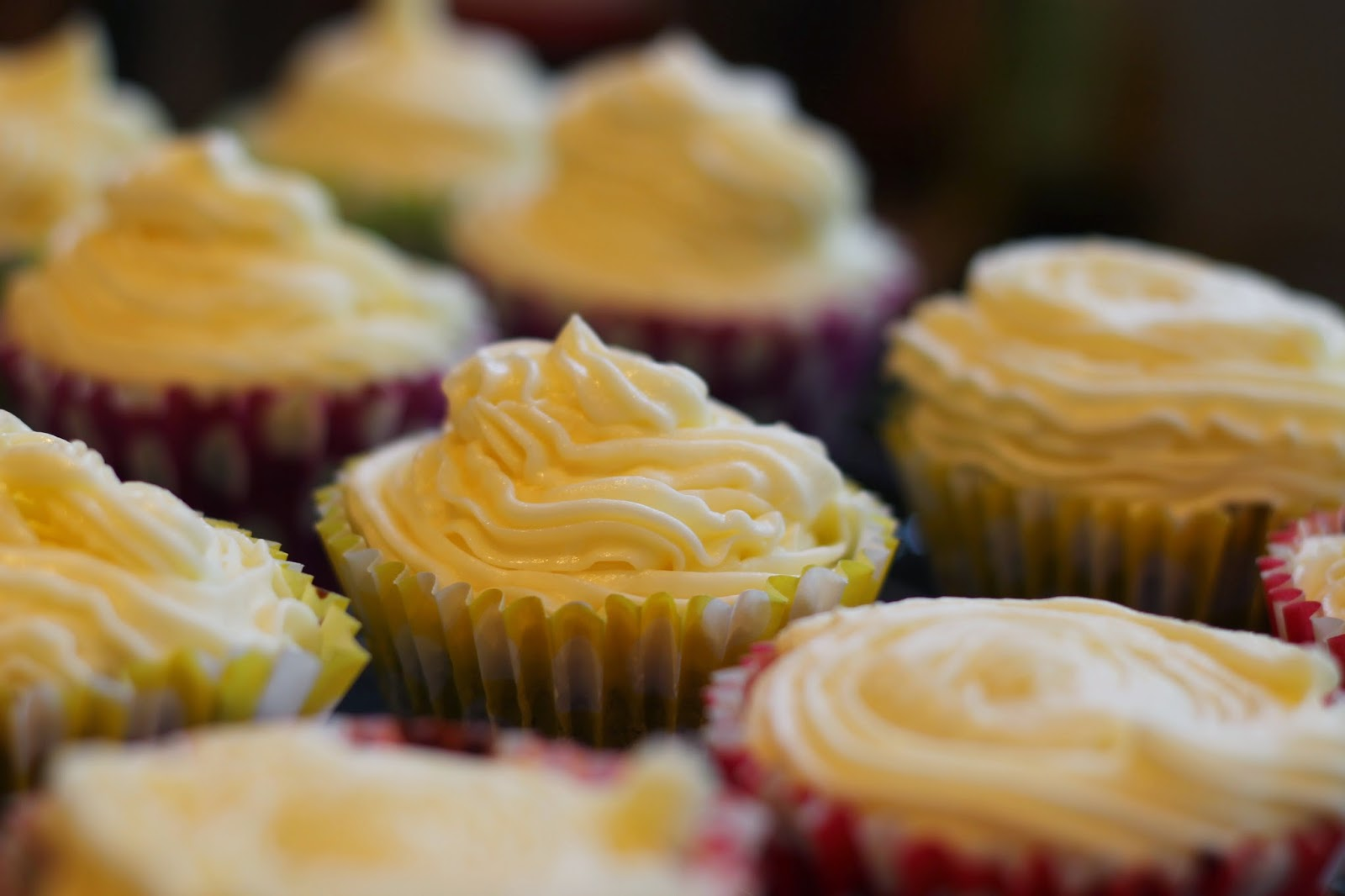 A hipinotizante fábrica de confeitar bolos