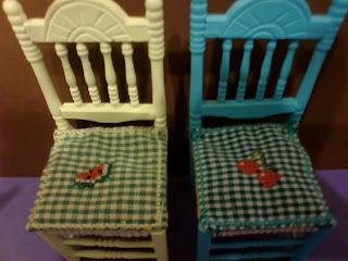 sillas casa de muñecas