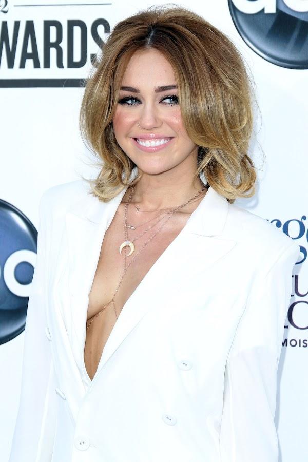 a close up look at Miley Cyrus 2012 Billboard Music Awards photo