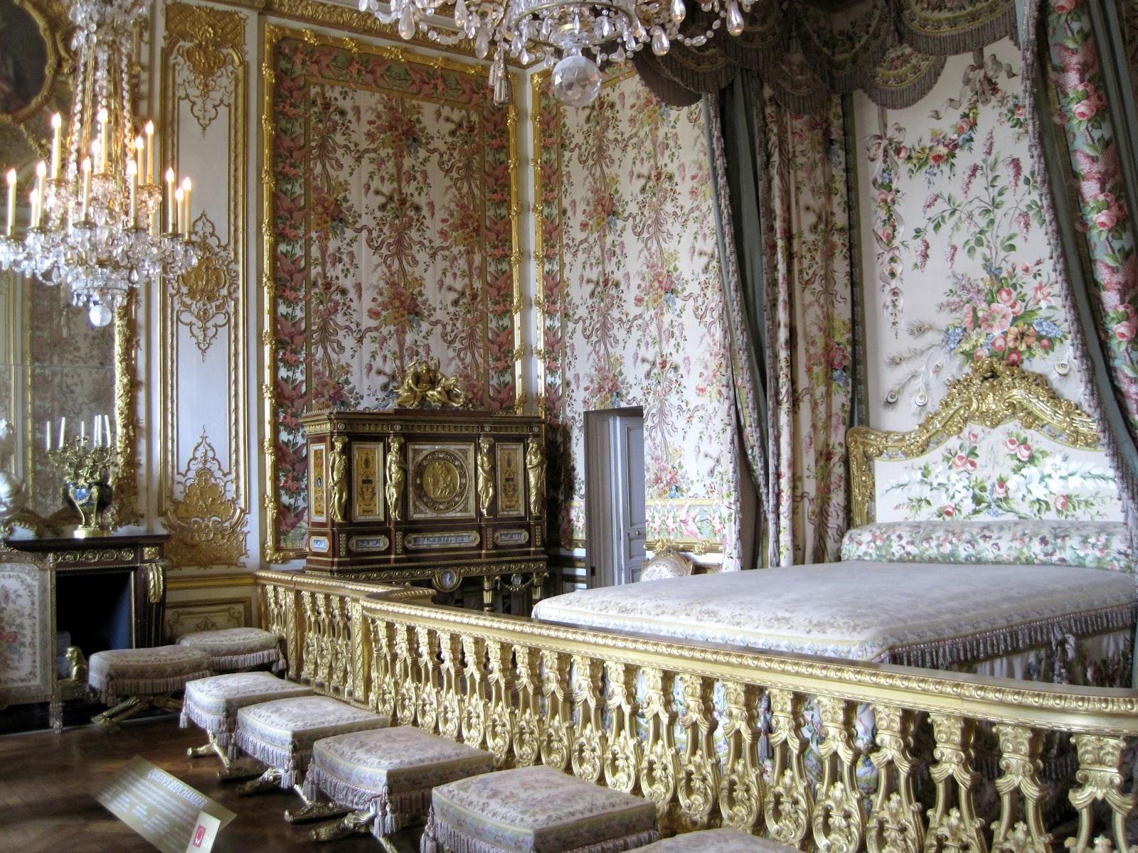 at home modern marie antoinette a beautiful journey. Black Bedroom Furniture Sets. Home Design Ideas