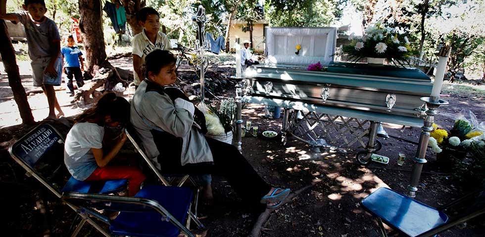 Michoacan Bajo Fuego.  Fotogaleria.  Las Victimas de Paracuaro 06