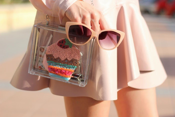 total_look_pink_rosa_outfit_falda_skirt_cuero_leather_zara_pastel_ss14_summer_2014_spring_streetstyle_cupcakes_clutch_transparente_stradivarius_angicupcakes03