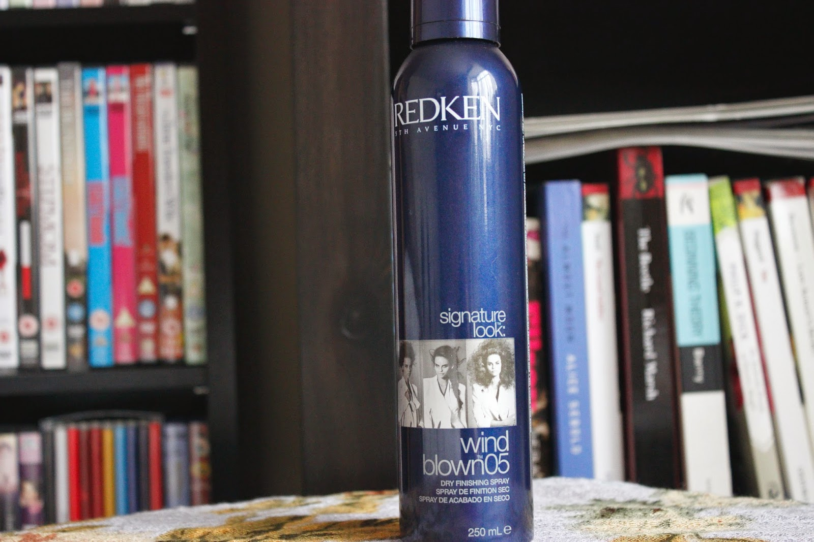 Picture of Redken Signature Look: Wind Blown 05 Dry Finishing Spray