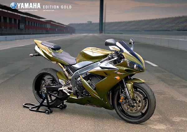 Yamaha R1 White And Gold