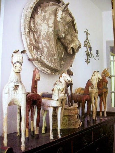 Rzeźby konia jako dekoracja do wnętrza