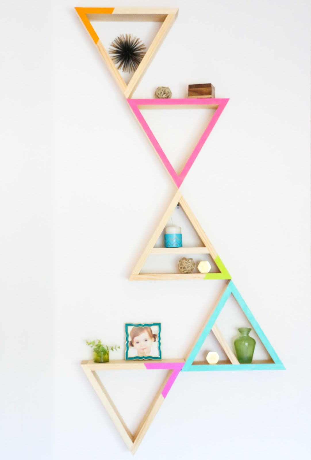 A kailo chic life build it triangle shelves - Triangular bookshelf ...