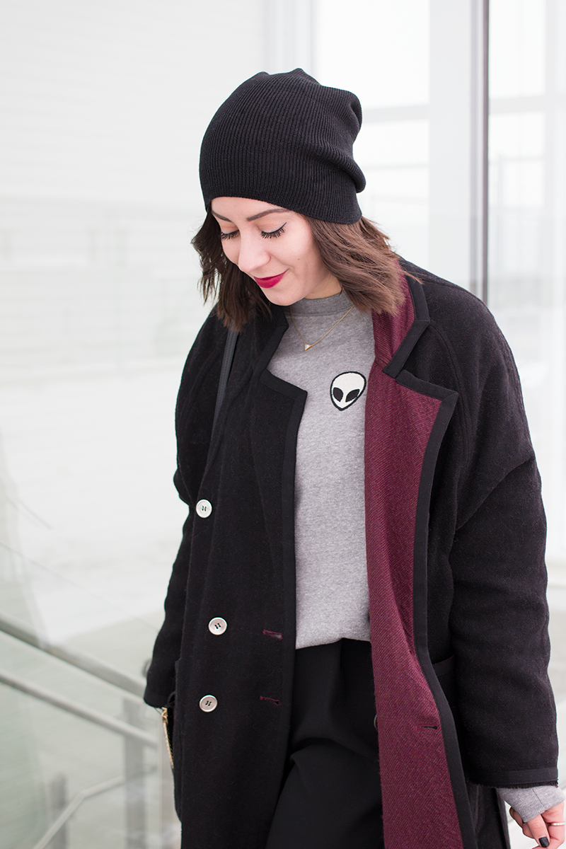 How to style Brandy Melville's Acacia alien patch sweatshirt