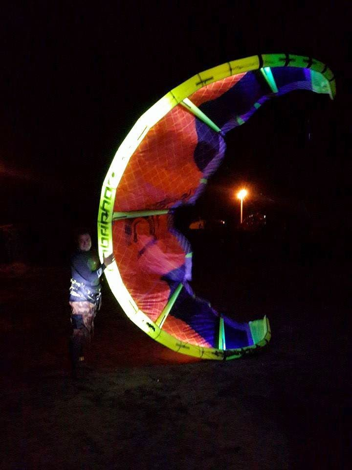 kitsurf kiteboarding led light night session