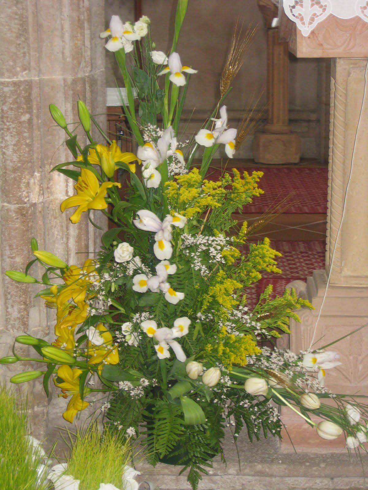 Super Arte Floreale per la Liturgia: Composizioni floreali Chiesa San  CJ11