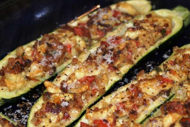 Menu Musings of a Modern American Mom: Stuffed Zucchini