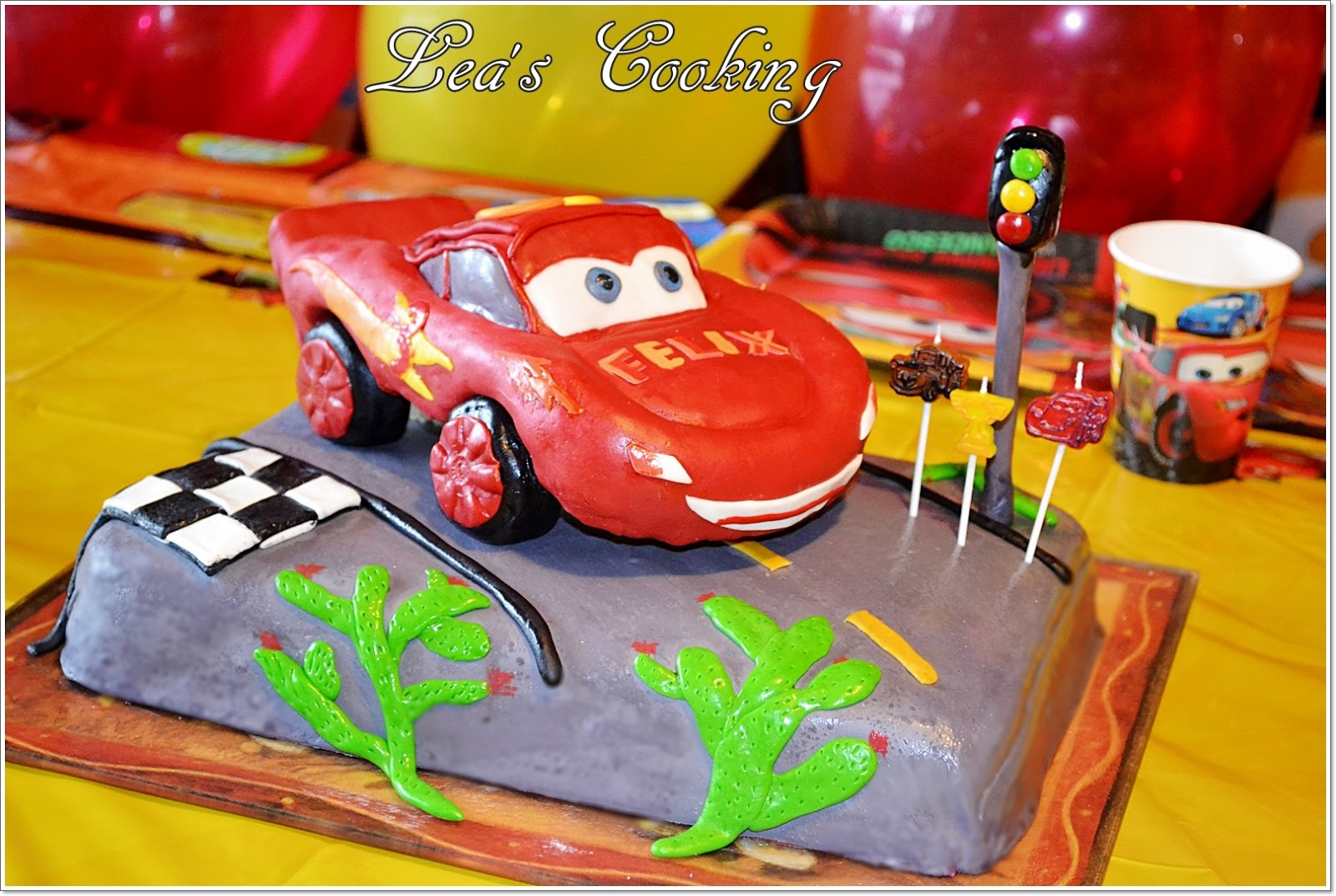 Leas cooking cars lightning mcqueen cake topper tutorial cars lightning mcqueen cake topper tutorial baditri Choice Image