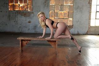Ordinary Women Nude - sexygirl-83545_023-796494.jpg