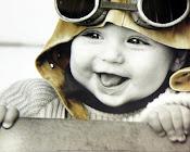 el silencio otorga, la mirada habla y la sonrisa confirma .