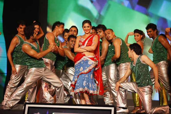 dancing at siima awards cute stills