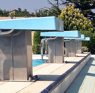 moi aussi j 39 ai une maison marie claire piscine vintage. Black Bedroom Furniture Sets. Home Design Ideas