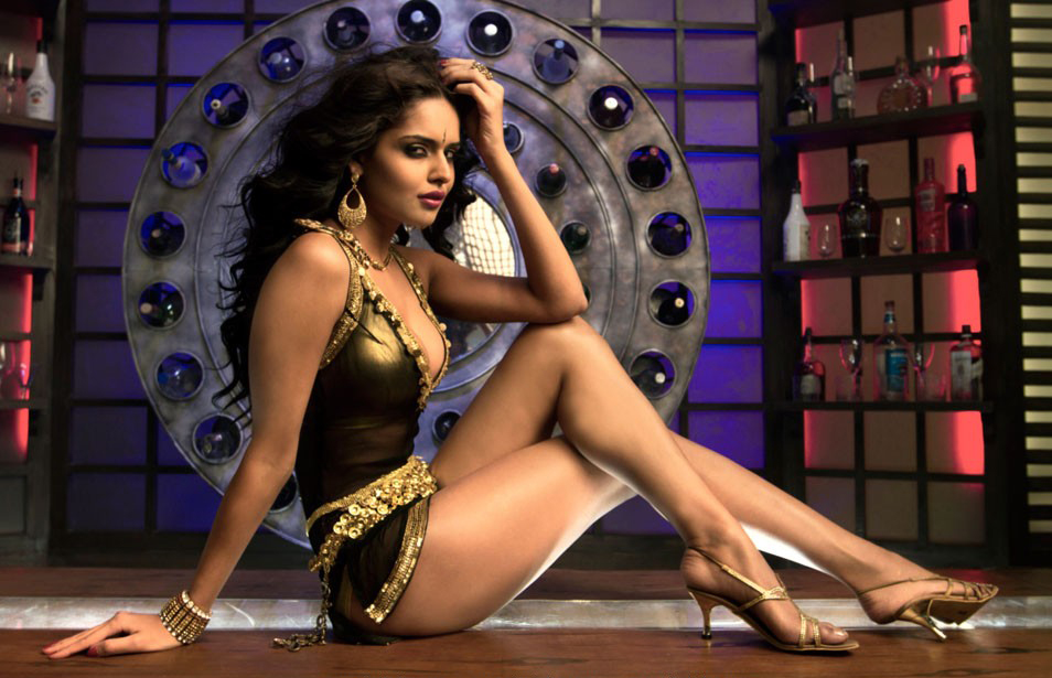 Hot Masala Nathalia Kaur Sexiest Kingfisher Model Hot Photoshoot
