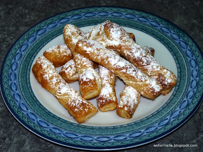 Lacitos hojaldre miel y azúcar glas EnHarinate