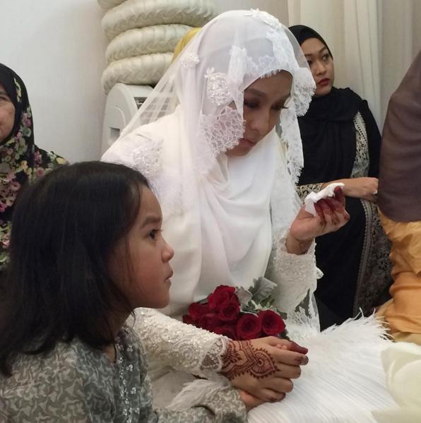 Gambar Perkahwinan Nabila Huda & Izwan Johar