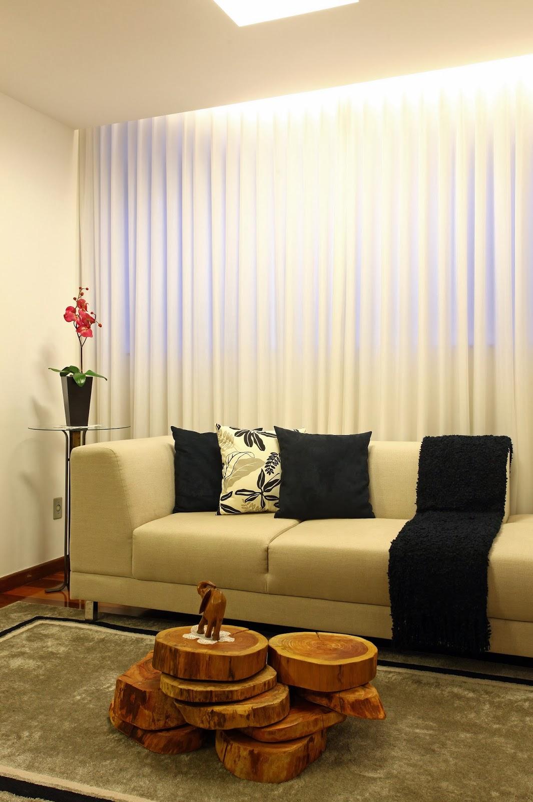 #693F14    SALA ESTAR COM FATIAS DE MADEIRA EMPILHADAS PODENDO SER USADAS DE  1065x1600 px como decorar sala de jantar e estar conjugadas @ bernauer.info Móveis Antigos Novos E Usados Online