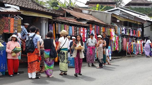 Tiendas en Pura Besakih, Bali