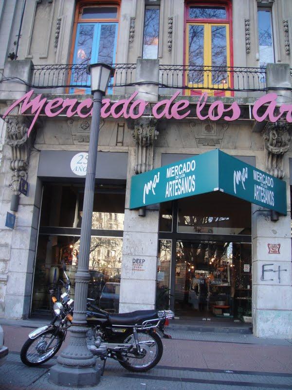 Armario A Medida Ikea ~ Mercado dos Artes u00e3os em Montevidéu Uruguai por uma brasileira