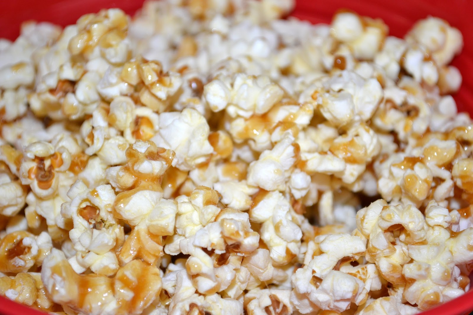 how to add sugar to stove top popcorn