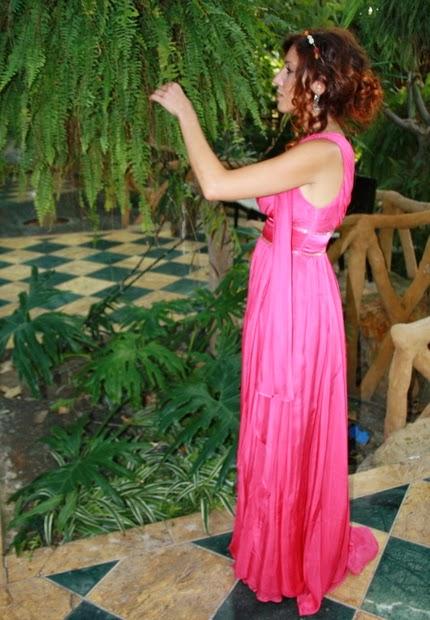 vestido estilo griego fucsia