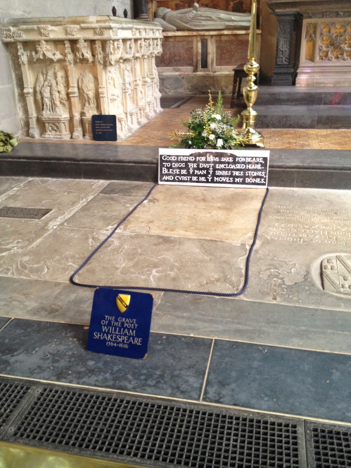 Shakespeare's Grave (photo credit: http://researchandramblings.blogspot.com/)
