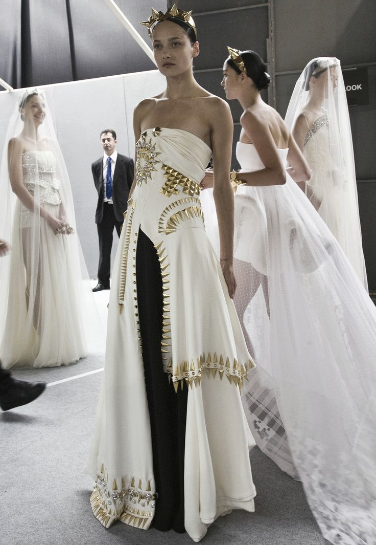 Fashion runway backstage at givenchy haute couture for Haute couture labels