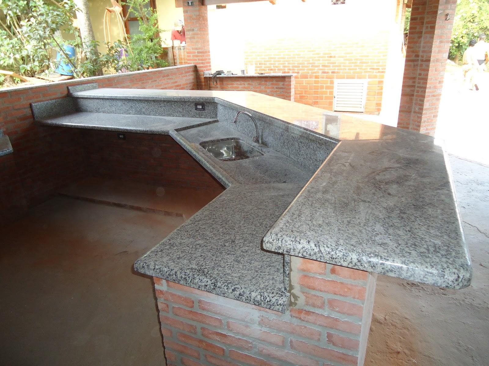 MÁRMORES E GRANITOS: Cozinhas e Balcões #917C3A 1600x1200 Balcão Para Banheiro De Granito