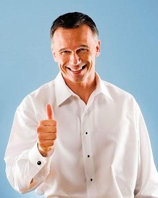 القناعة هى المفتاح لحياة طويلة وسعيدة - رجل سعيد مبسوط فرحان - happy man guy